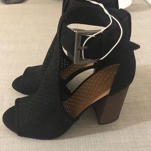 NWT block heels